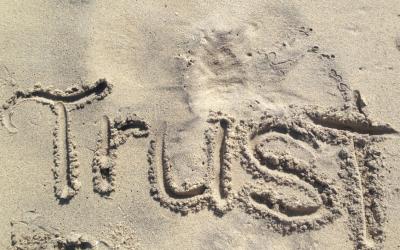 שמים את הקול על אמון